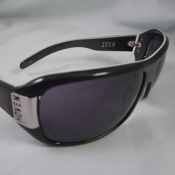 42cd0f9715b Hoven Accessories - HOVEN Sunglasses ZEEN Melrose Black White Silver